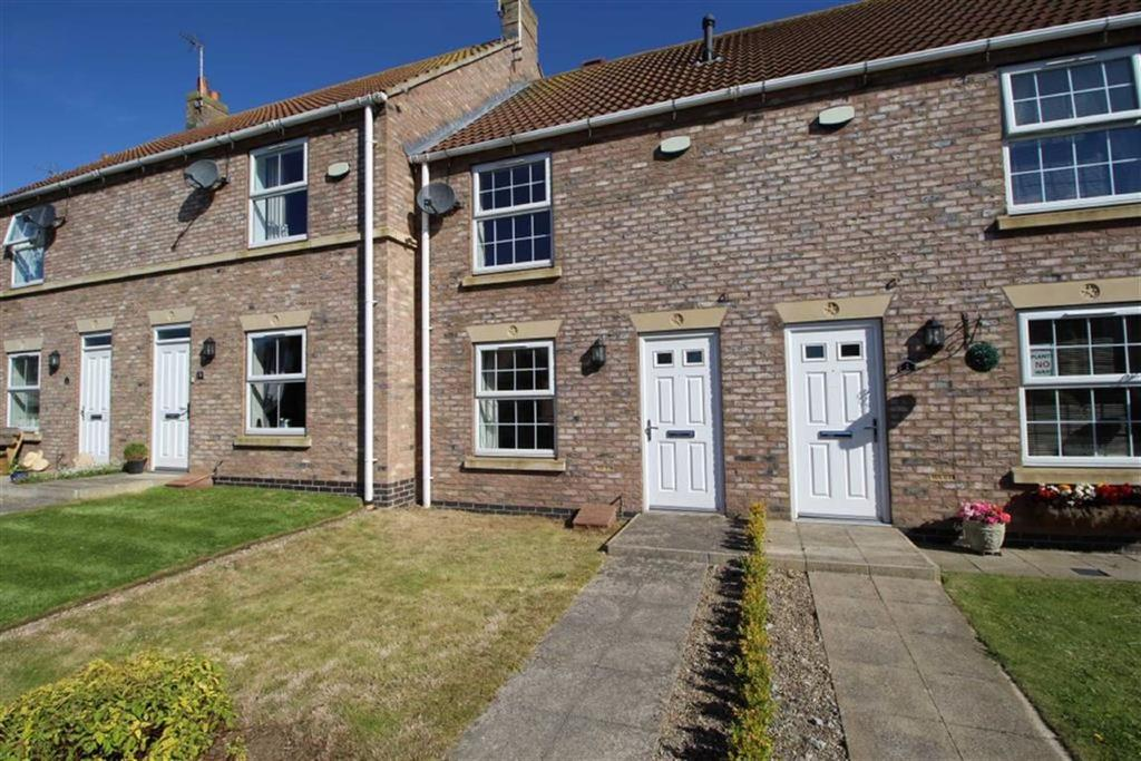 2 Bedrooms Terraced House for sale in Farm Row, Beeford, East Yorkshire