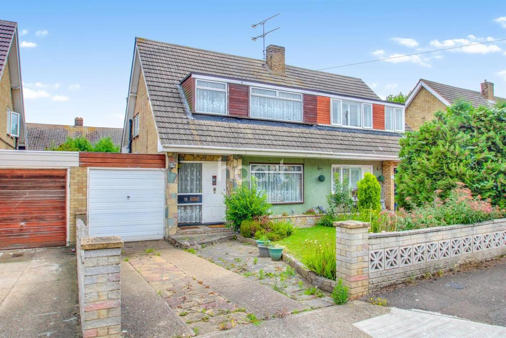 3 Bedrooms Semi Detached House for sale in Malwood Drive