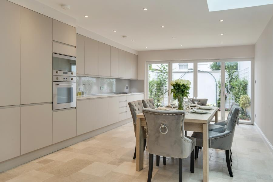 4 Bedrooms House for sale in Irving Road, Brook Green W14