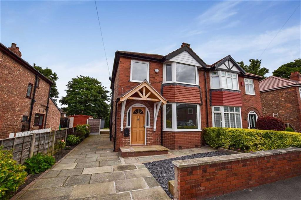3 Bedrooms Semi Detached House for sale in Langham Grove, Timperley, Cheshire, WA15