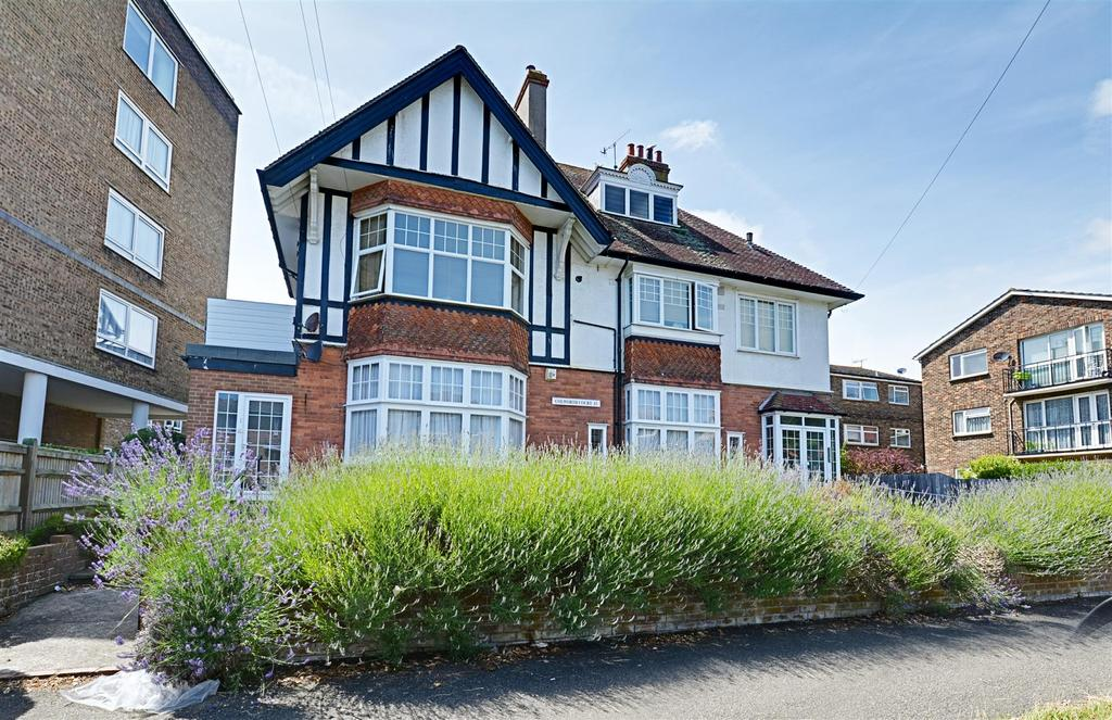 2 Bedrooms Flat for sale in Sutherland Avenue, Bexhill-On-Sea