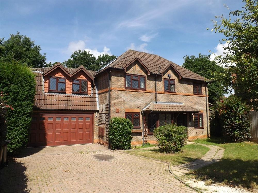 5 Bedrooms Detached House for sale in Wealden Way, Little Common, BEXHILL-ON-SEA, East Sussex