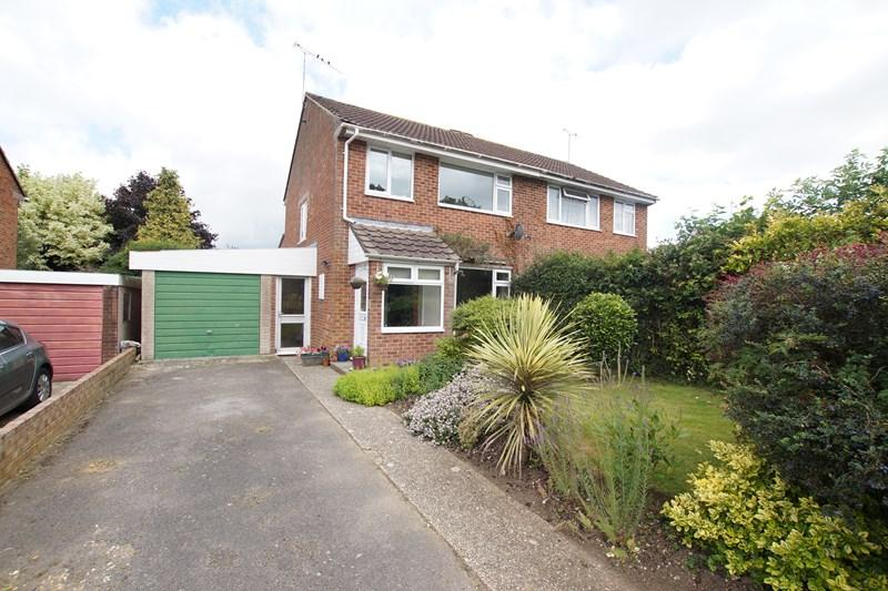 3 Bedrooms Semi Detached House for sale in Stanton Close, Blandford Forum