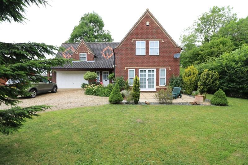 4 Bedrooms Detached House for sale in The Turnpike, Bunwell, Norwich