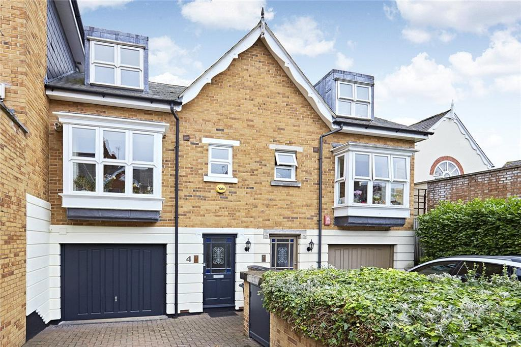 3 Bedrooms Terraced House for sale in St. James Court, Brooks Road, London, W4