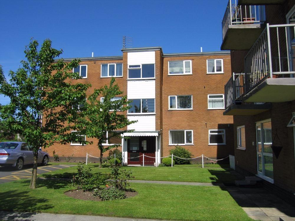 2 Bedrooms Flat for rent in Heyhouses Court, Heyhouses Lane, St. Annes, Lancashire