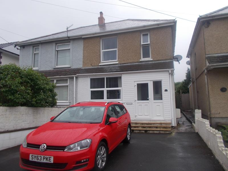 3 Bedrooms Semi Detached House for sale in Heol Y Felin , Seven Sisters, Neath, Neath Port Talbot.