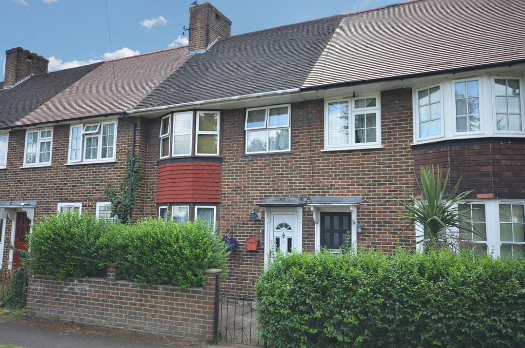 3 Bedrooms Terraced House for sale in Charlton Park Lane, London, SE7