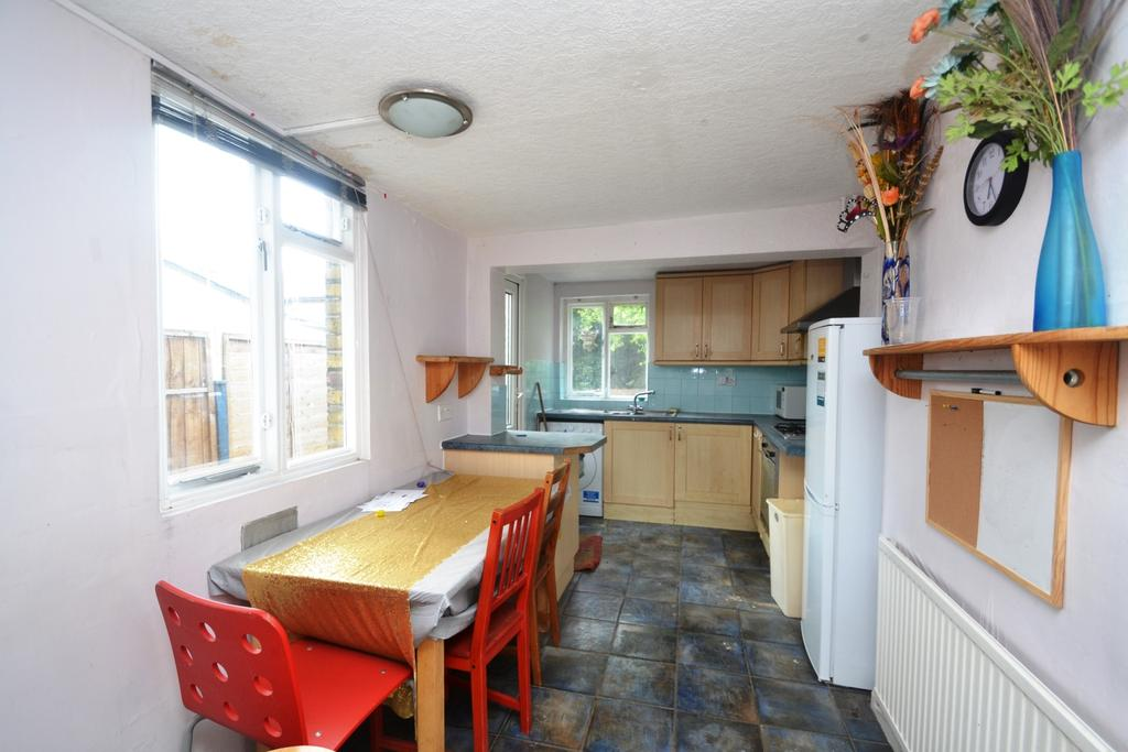 2 Bedrooms Terraced House for sale in Harvard Road Lewisham SE13