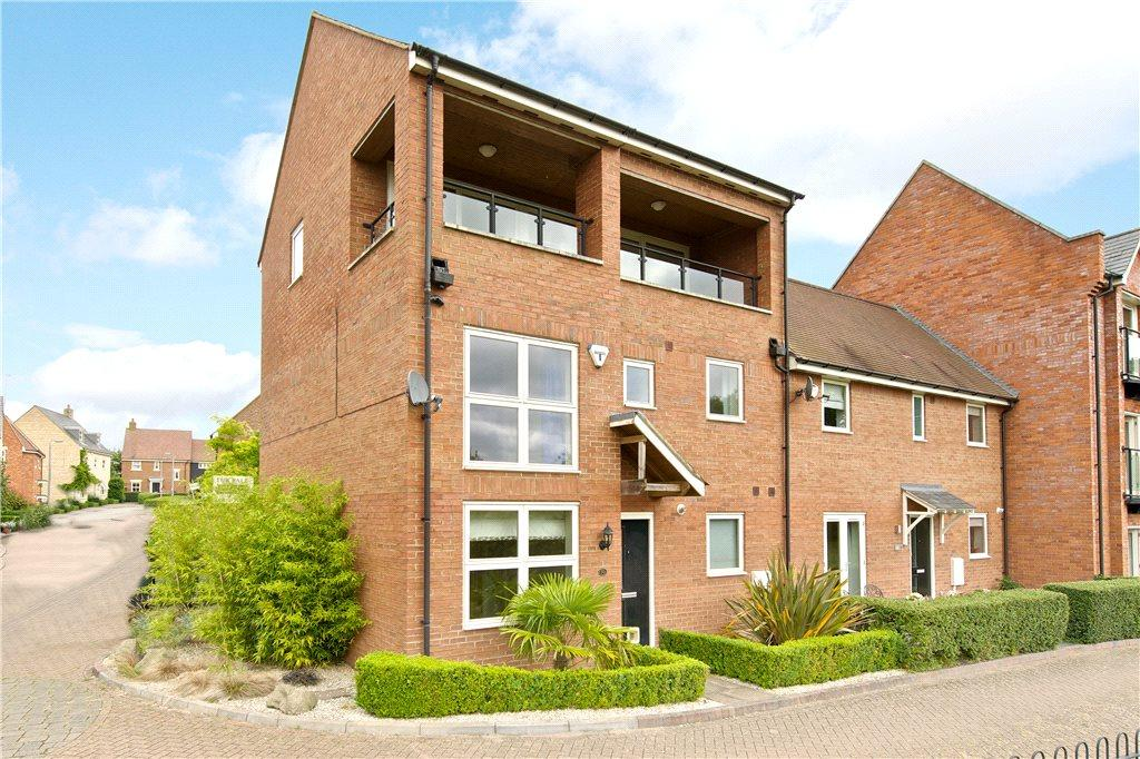 3 Bedrooms Semi Detached House for sale in Wagstaff Way, Olney, Buckinghamshire