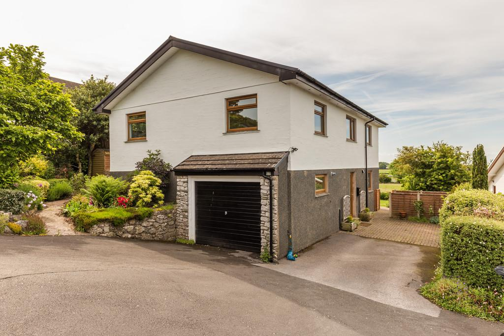 4 Bedrooms Detached House for sale in 19 Fellside, Allithwaite, Grange-Over-Sands, Cumbria, LA11 7RN
