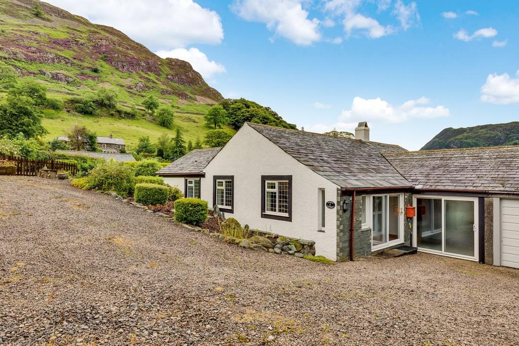 3 Bedrooms Semi Detached Bungalow for sale in Ginny's Cottage, Glenridding, Ullswater CA11 0QQ