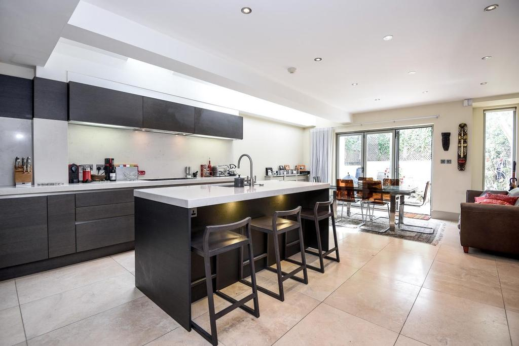 3 Bedrooms Terraced House for sale in Sedlescombe Road, Fulham