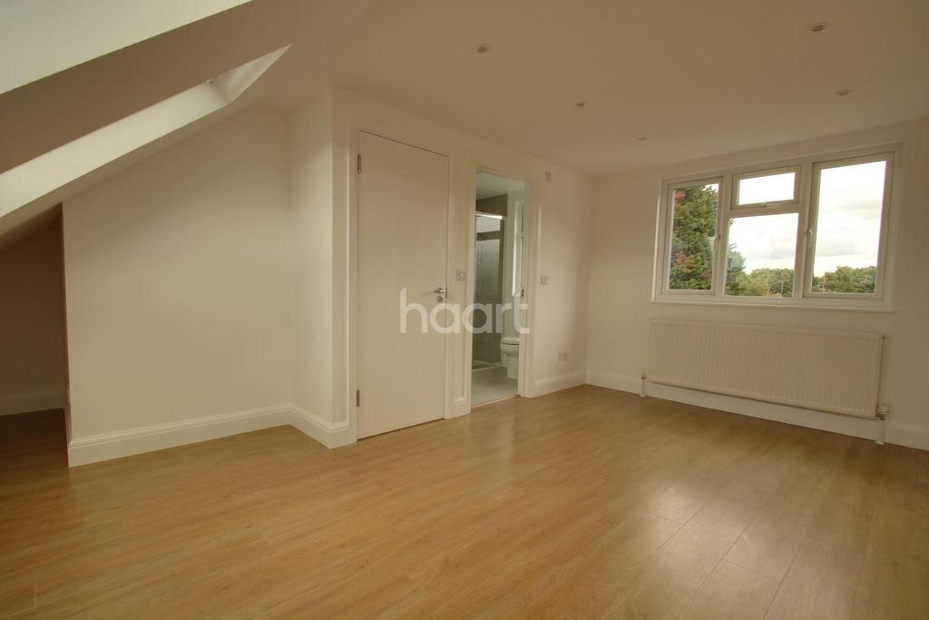 4 Bedrooms Terraced House for sale in Park Close, NW10