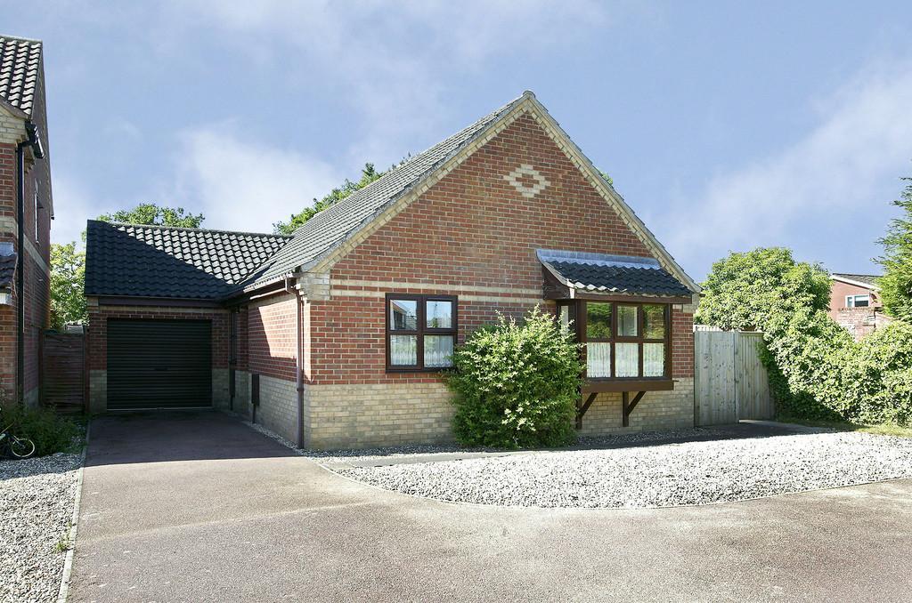 3 Bedrooms Detached Bungalow for sale in Back Lane, Hethersett