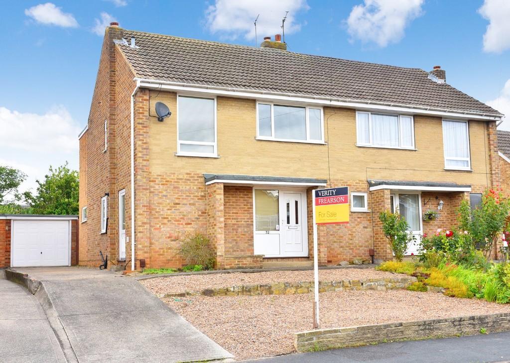3 Bedrooms Semi Detached House for sale in Park Way, Knaresborough