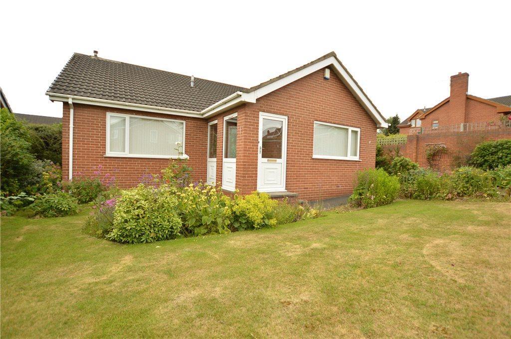 3 Bedrooms Detached Bungalow for sale in Upper Green Way, Tingley, Wakefield