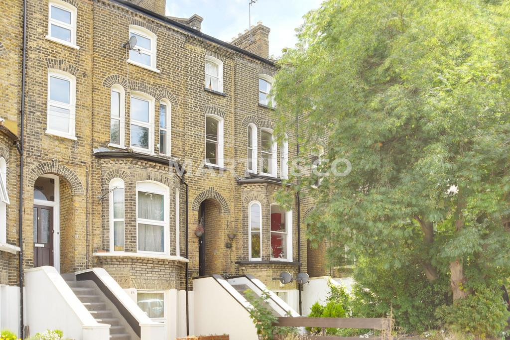 3 Bedrooms Town House for sale in Holly Road, Wanstead