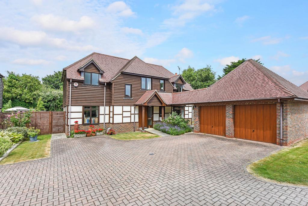 4 Bedrooms Detached House for sale in Chester Close, Emsworth