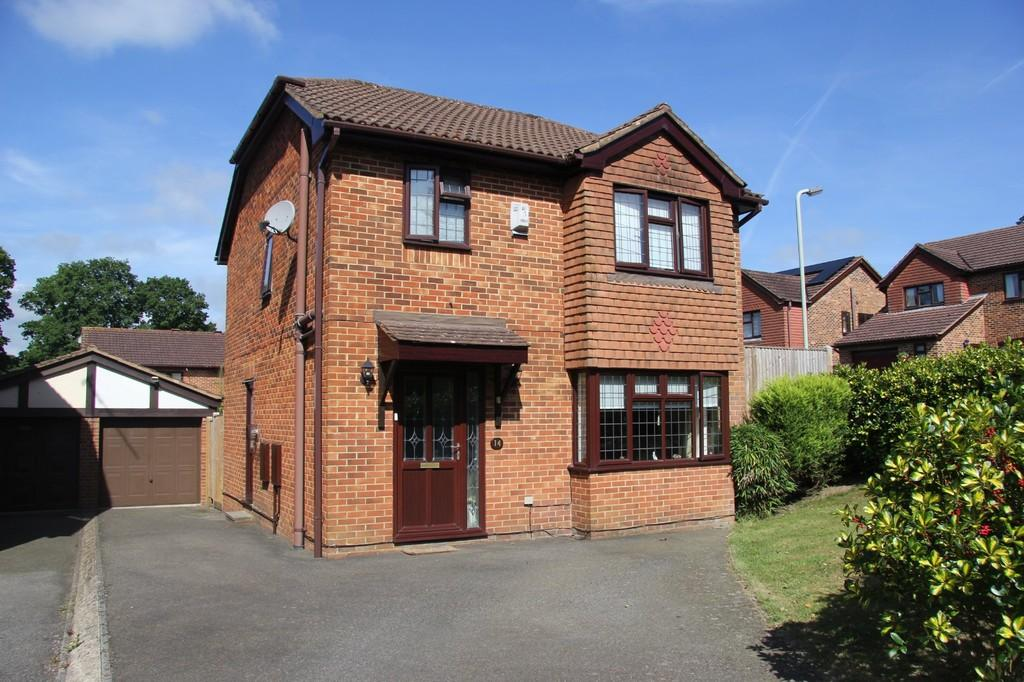 3 Bedrooms Detached House for sale in Elm Way, Heathfield