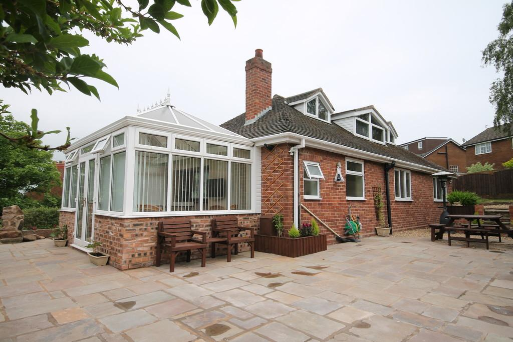 6 Bedrooms Detached Bungalow for sale in Rockmount, Frodsham, WA6 6DW