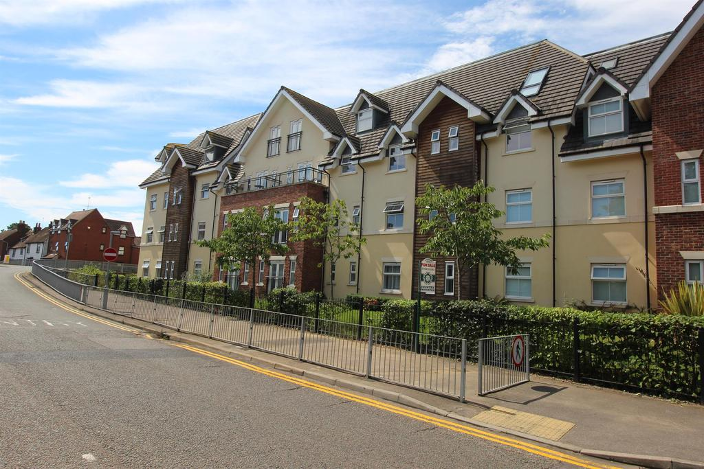 2 Bedrooms Apartment Flat for sale in Townsend Mews, Stevenage, SG1 3AT