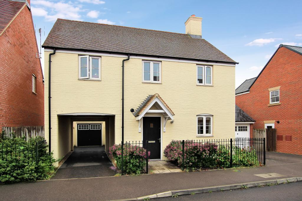 3 Bedrooms Detached House for sale in Falldor Way, Ampthill, Bedfordshire, MK45 2GD