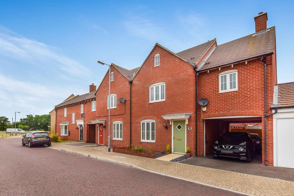 3 Bedrooms End Of Terrace House for sale in Valentinus Crescent, Colchester, CO2 7QG