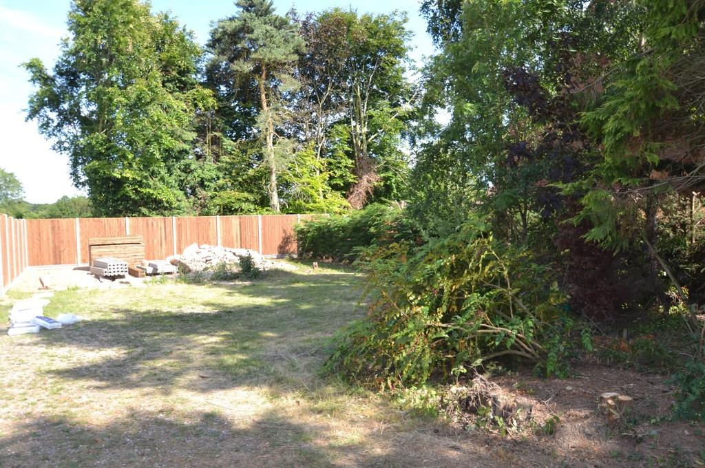 Land Commercial for sale in Briston