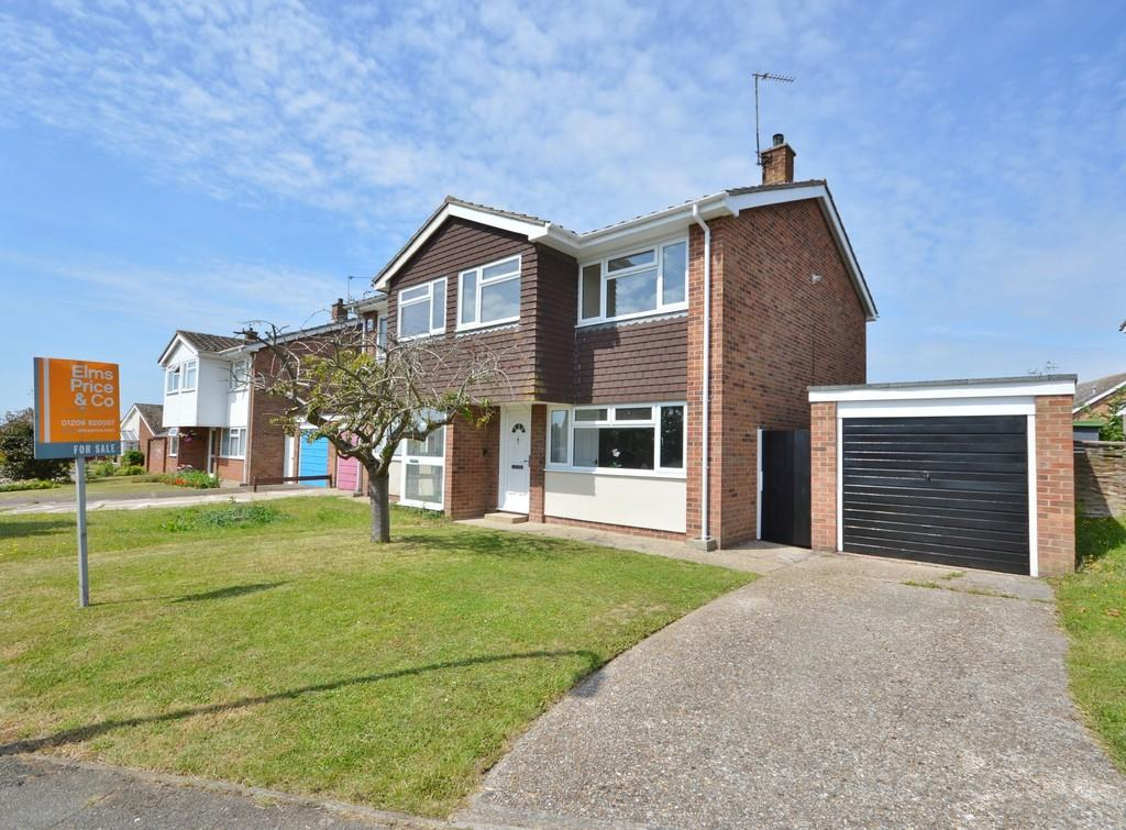 3 Bedrooms Semi Detached House for sale in Park Drive, Brightlingsea