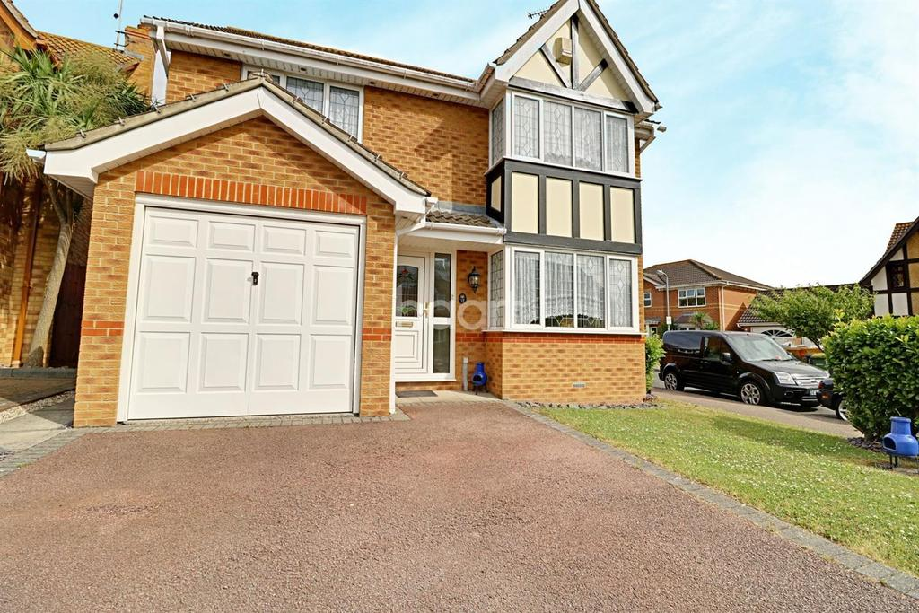 4 Bedrooms Detached House for sale in Harberts Way, Rayleigh