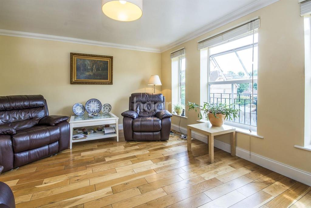 4 Bedrooms End Of Terrace House for sale in Turners Mews, Sutton, SM2