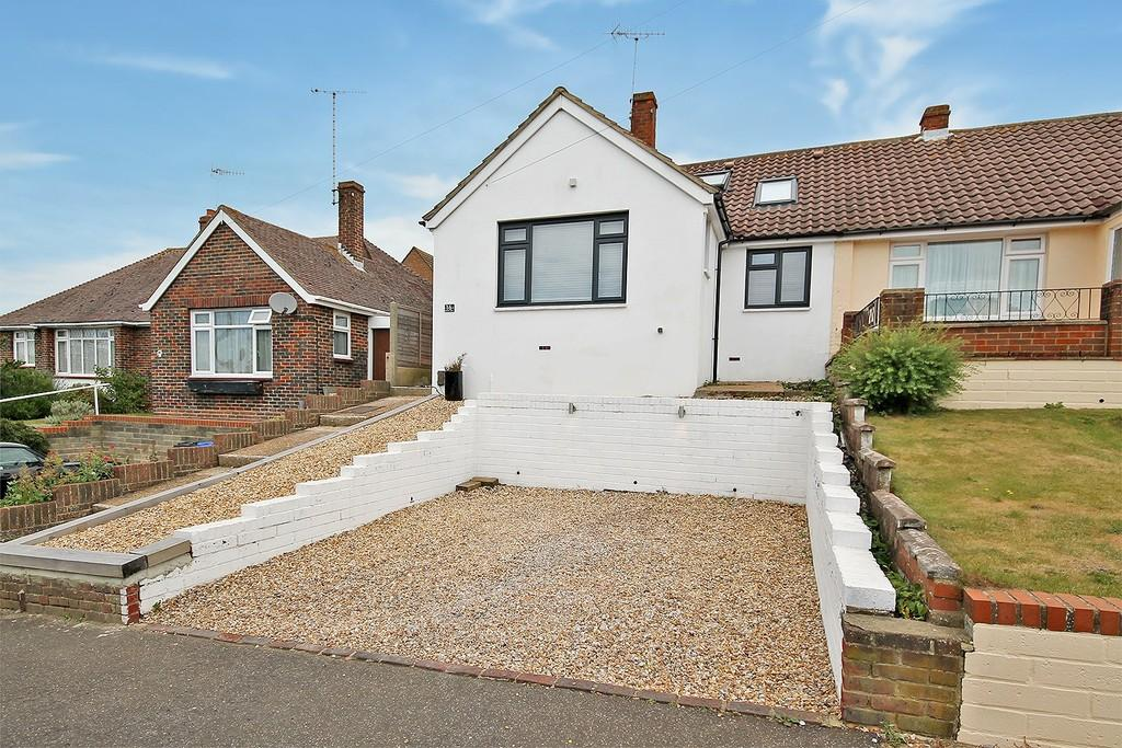 3 Bedrooms Semi Detached Bungalow for sale in Osborne Drive, Sompting, BN15 9UY