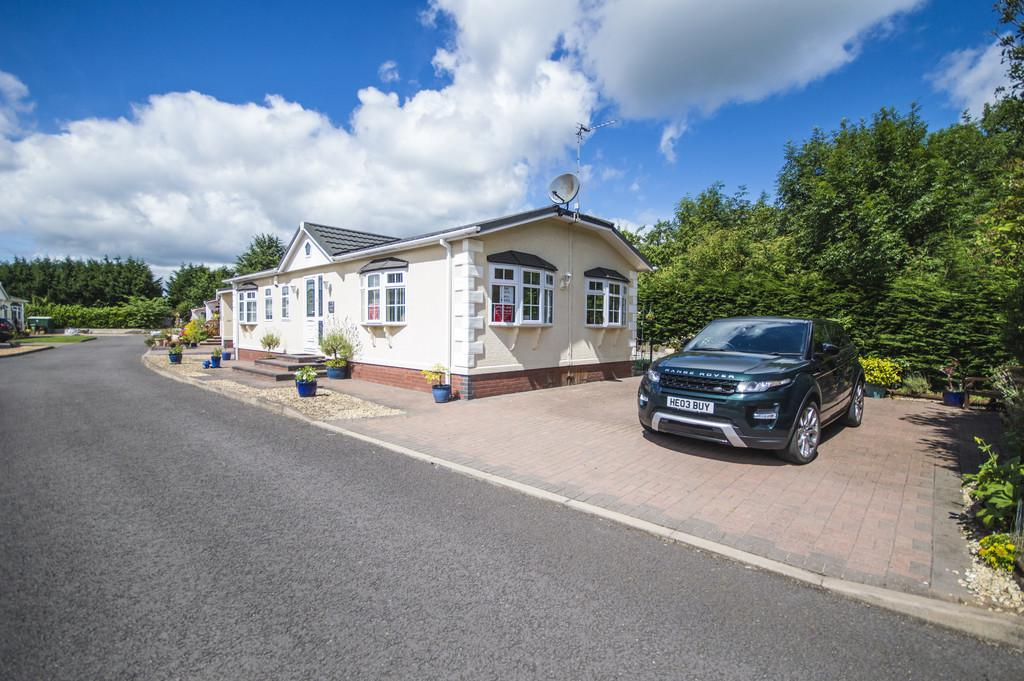 2 Bedrooms Park Home Mobile Home for sale in The Willows Park, Cleobury Road