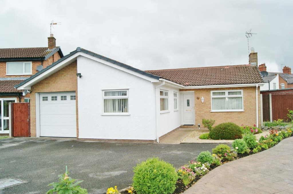 3 Bedrooms Detached Bungalow for sale in Northleigh Grove, Wrexham