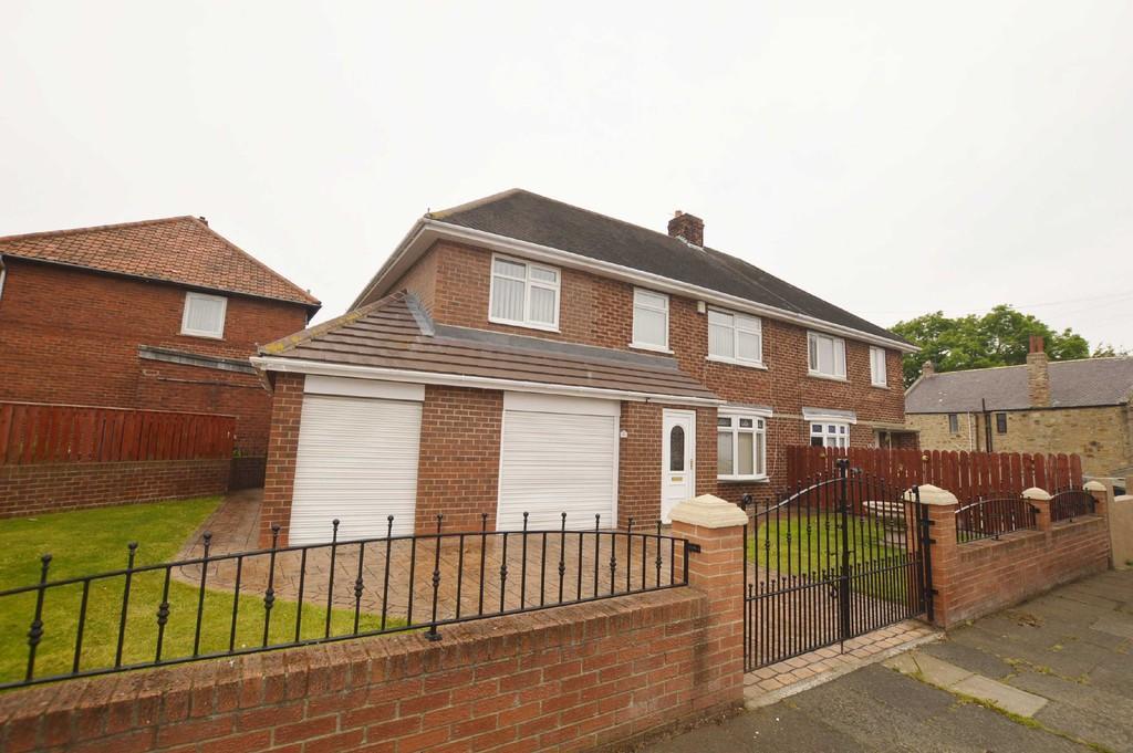 4 Bedrooms Semi Detached House for sale in Derwent View, Winlaton