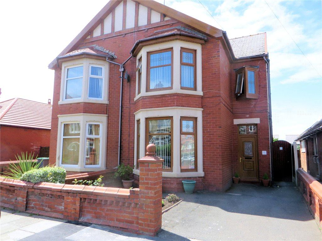 4 Bedrooms Semi Detached House for sale in Warbreck Drive, Bispham, Blackpool