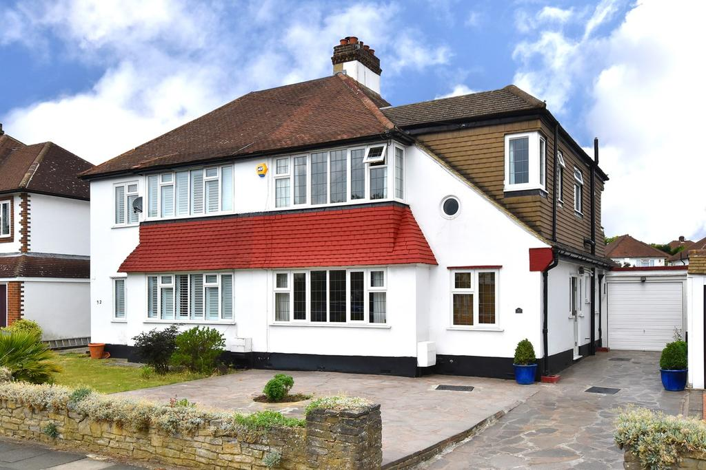 4 Bedrooms Semi Detached House for sale in Hurstdene Avenue, Bromley, BR2