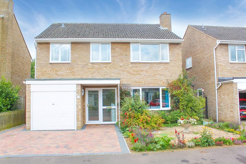 4 Bedrooms Detached House for sale in Wordsworth Close, Upper Caldecote, Biggleswade, SG18