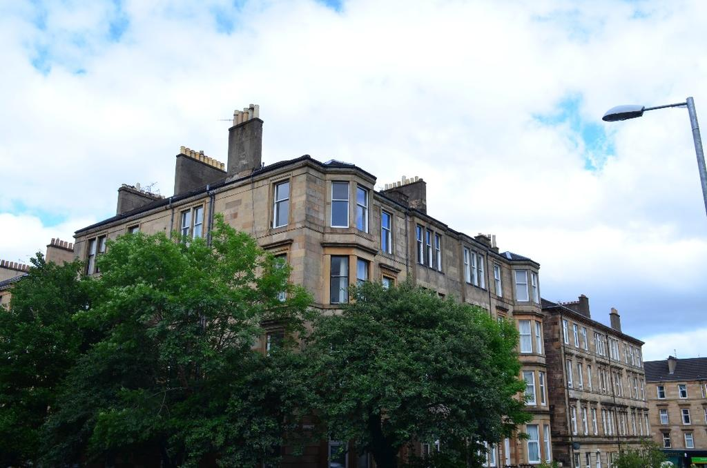 2 Bedrooms Flat for sale in Clouston Street, Flat 3/3, North Kelvinside, Glasgow, G20 8QT
