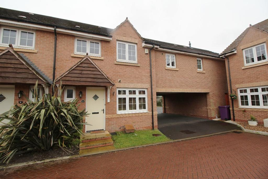 3 Bedrooms Semi Detached House for sale in Hull Close