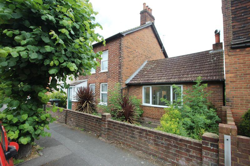 4 Bedrooms Detached House for sale in Lavender Hill, Tonbridge