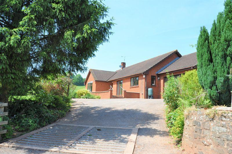 3 Bedrooms Bungalow for sale in Silverton, Exeter