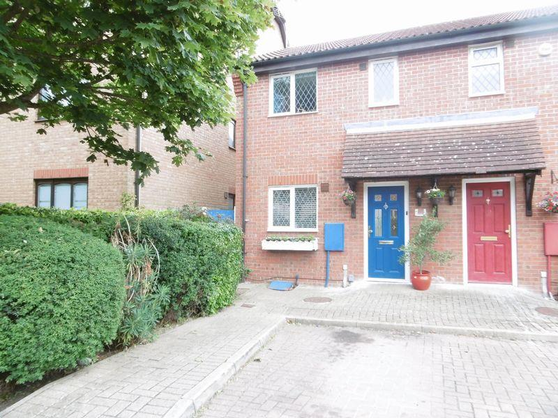 2 Bedrooms End Of Terrace House for sale in Coalport Close, Church Langley