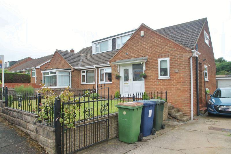 3 Bedrooms Semi Detached Bungalow for sale in Forest Drive, Ormesby