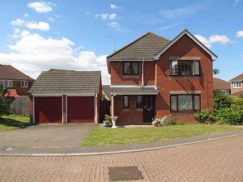 4 Bedrooms Detached House for sale in Melton Drive, Taverham, Norwich