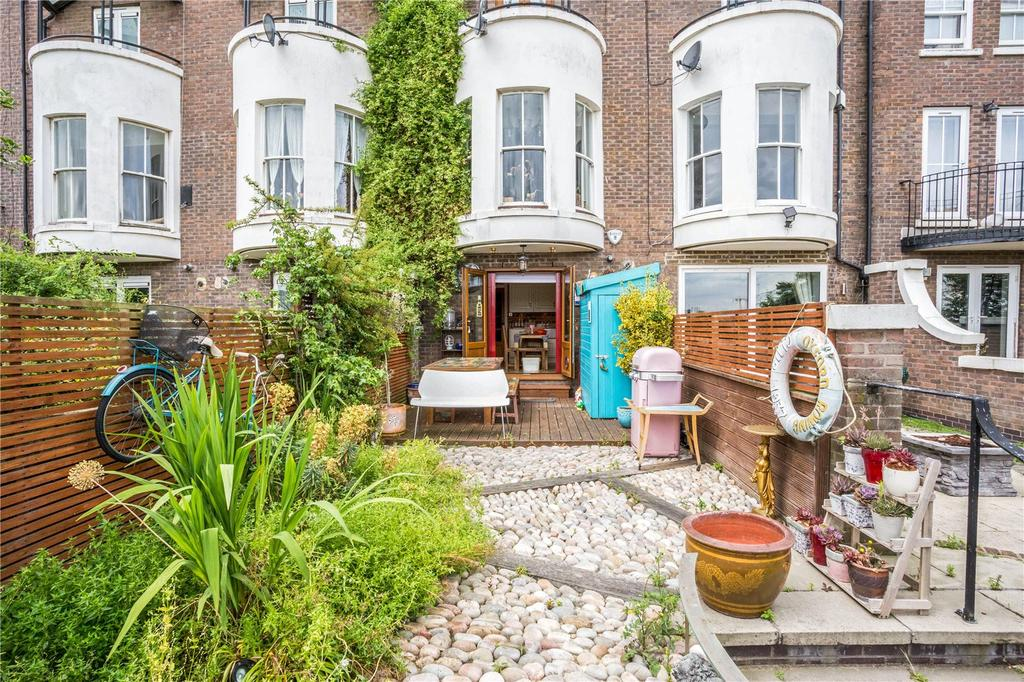 5 Bedrooms Terraced House for sale in Mariners Mews, Canary Wharf, London, E14