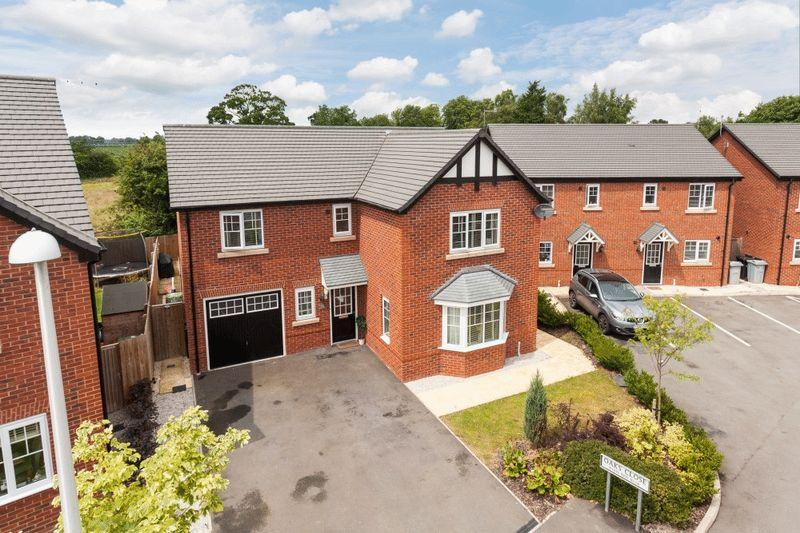 4 Bedrooms Detached House for sale in Oaks Close, Aston, Nr Nantwich