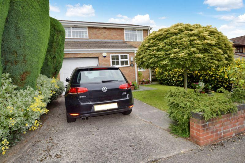4 Bedrooms Detached House for sale in Glanrhyd, Coed Eva, Cwmbran