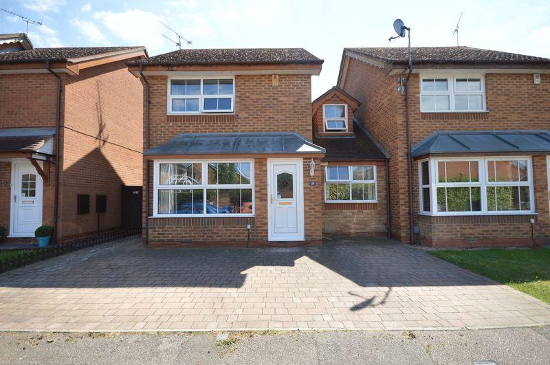 3 Bedrooms Detached House for sale in Sacombe Green, Luton